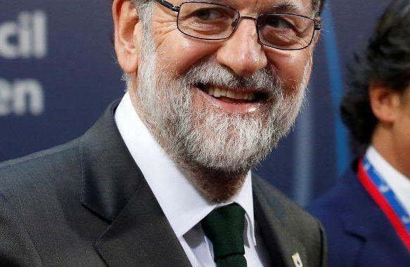 رئيس وزراء إسبانيا يعلن السبت إجراءات للحكم المباشر لقطالونيا
