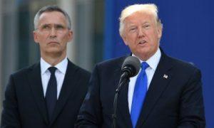 ترامب يدعو الناتو إلى زيادة الانفاق الدفاعي ويعلن التزامه تجاه الحلف